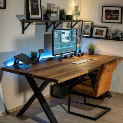 Cahlet G Pure geölt. Schreibtisch aus Massivholz Eiche 200x100 cm. Office muss nicht immer nur funktional sein. Schreibitsche gehen auch elegant.
