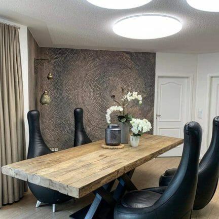 Castle V Altholzplatte. 280 cm lang mit originaler Oberfläche schafft diese Platte aus Altholz ein spannenden Kontrast zu einem modernen Design.