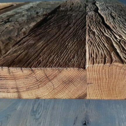 Castle V Detail. Gezeichnet durch Wind und Wetter verbirgt jede einzelne Platte unserer Altholzserie ein Stück Geschichte in sich.