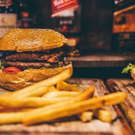 Foodpresantation_auf_Massivholz-1024x683