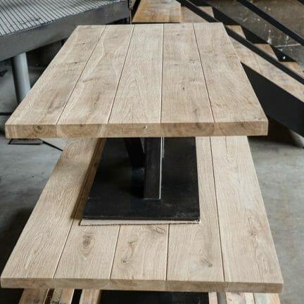 Loft G Kombinierbar mit verschiedensten Gestellen aus Stahl eignen sich unsere Platten ideal für Ihr Gastro- und Hotelerieprojekt